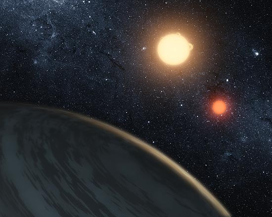O novo astro com dois sóis, descoberto pelo telescópio espacial Kepler, tem um tamanho similar a Saturno