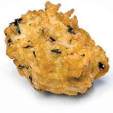 Chefs paulistanos inovam bolinho de arroz da vovó com ingredientes como batata e coco