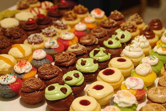 Cupcakes do tamanho de uma mordida, da loja Kapcakes, de São Paulo, em sabores sortidos