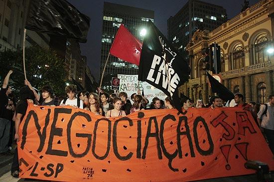 Manifestação contra o aumento da passagem de ônibus em São Paulo, que acabou em confronto no metrô
