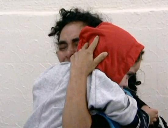 Mãe reencontra com garota Brenda Gabriela que ficou desaparecida por cerca de duas semanas em São Paulo