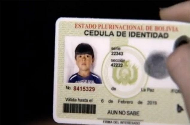 Documento de identidade do boliviano Brayan Yanarico Capcha, 5, assassinado durante assalto à sua casa na zona leste de SP