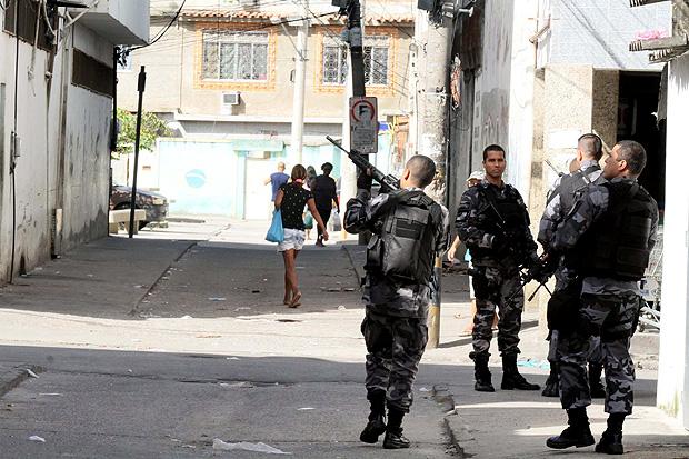PM durante ocupação de Cidade de Deus, no Rio; processos contra policiais disparam no Estado
