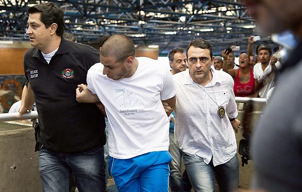 Alípio Rogério dos Santos, suspeito de espancar até a morte um ambulante no metrô, após prisão