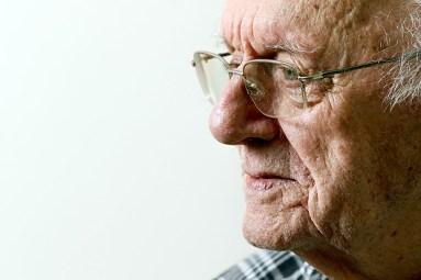 Klaas Prins, 89, que reencontrou antiga namorada