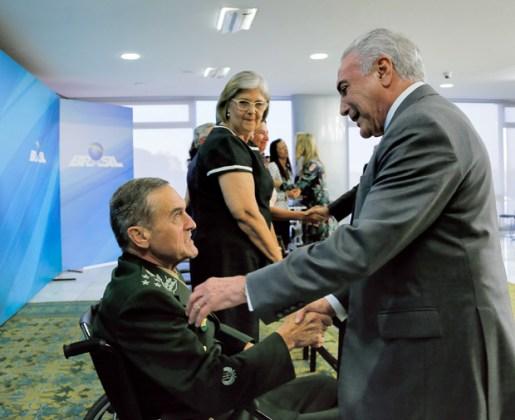 O general com Temer, durante evento em Brasília