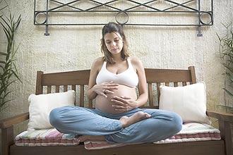 A gerente de marketing Luna Weyel, 28, realizou automassagem durante a gestação de seu filho Davi, que nasceu no último dia 5