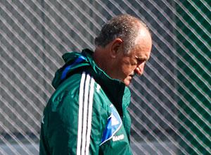 O técnico Luiz Felipe Scolari tenta reacertar o time