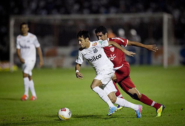 Neymar durante partida entre Mogi Mirim e Santos