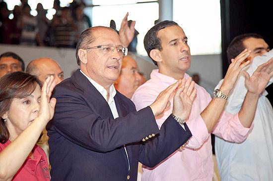 CACHOEIRA PAULISTA - SP - 16.07.2011 - Presenca do Gov. Geraldo Alckmin (PSDB-SP) em uma missa no acampamento de jovens da renovacao carismatica, da igreja catolica. (JOAO BRITO/FOLHAPRESS FOLHATEEN) ***EXCLUSIVO FOLHA***