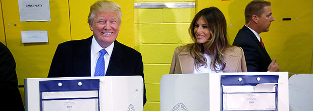 Republican presidential nominee Donald Trump and his wife Melania Trump vote at PS 59 in New York, New York, U.S. November 8, 2016. REUTERS/Carlo Allegri TPX IMAGES OF THE DAY ORG XMIT: CRA102