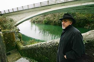 Paulo Coelho vive com a mulher, Cristina, em Saint Martin (sul da França)