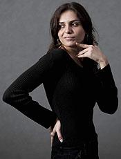A atriz Monica Iozzi, escolhida para para integrar o grupo humoristico CQC, posa para a coluna Outro Canal.