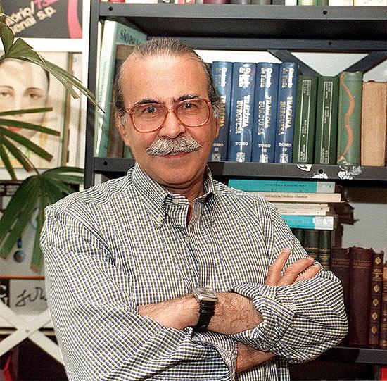 O poeta e ex-secretário municipal de Cultura Mário Chamie, que morreu neste domingo