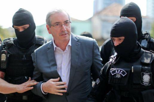 Após noite na carceragem da Polícia Federal, Eduardo Cunha chega ao IML de Curitiba