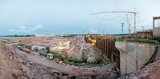 Canteiro de obras da usina hidrelétrica de Jirau, em Rondônia, que deve começar a operar a partir do mês que vem