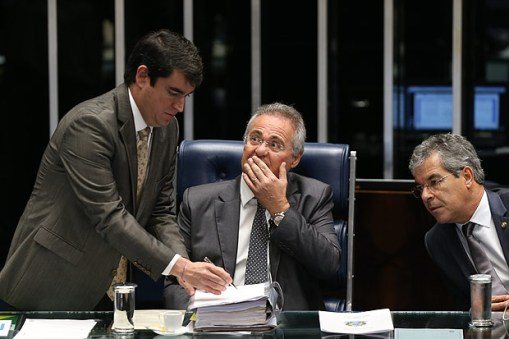 Brasilia,DF,Brasil 13.12.2016 O presidente do Senado, Renan Calheiros, comanda sessao de votacao de segundo turno da PEC 55, que trata do teto de gastos. Foto: Alan Marques/Folhapress cod 0619