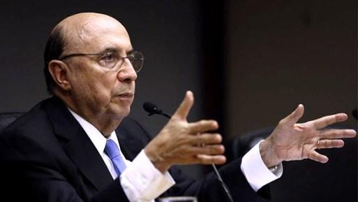 o ministro da Fazenda, Henrique Meirelles, filiado ao PSD