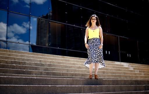 BRASILIA, DF, BRASIL, 14-11-2017, 12h00: Letícia Garcia, servidora da Anatel, personagem de matéria sobre disparidade entre salários de homens e mulheres no mercado de trabalho. (Foto: Pedro Ladeira/Folhapress, PODER) ***ESPECIAL*** ***EXCLUSIVA***
