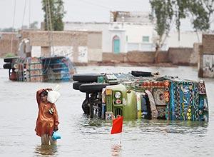 Mais de 1.750 pessoas morreram no Paquistão em decorrência das inundações que atingiram o país em agosto