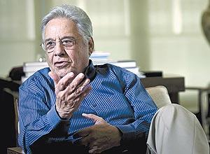 FHC admitiu que existe a possibilidade de fusão entre o PSDB e o DEM, mas ressaltou que as conversas são 'preliminares'