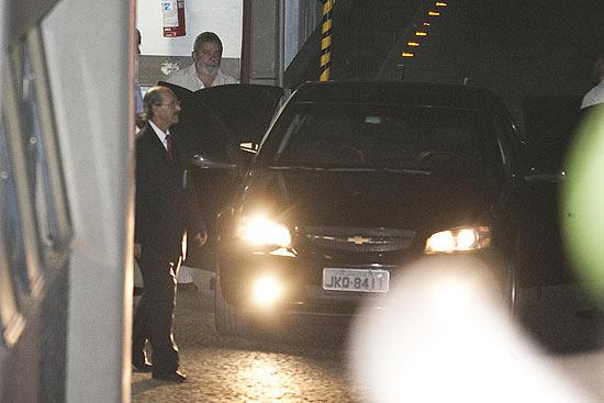 O ex-presidente Lula deixa o hospital Sírio Libanês em São Paulo após diagnóstico de câncer na laringe