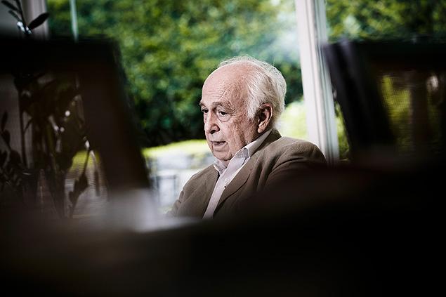 O economista e ex-ministro Luiz Carlos Bresser-Pereira, 80, que está lançando o livro