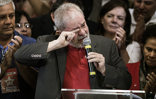 Lula durante o 1º pronunciamento após ser denunciado pela Operacão Lava Jato
