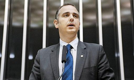O deputado federal Rodrigo Pacheco (PMDB-MG), presidente da Comissão de Constituição e Justiça