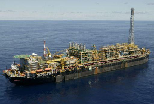 A plataforma P-48 da Petrobras, que teria sido objeto de propina paga em 2001 e 2002