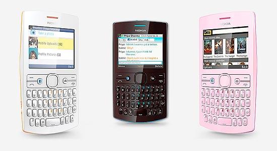 Celular Nokia Asha 205, com teclado físico Qwerty, é equipado com GPS e aceita dois cartões SIM