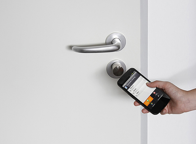 Dispositivo para abrir fechaduras com o smartphone do centro de pesquisas alemão Fraunhofer