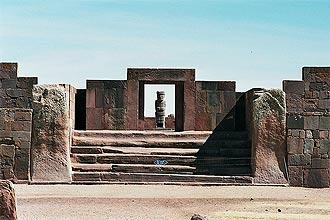 Tiahuanacu é o principal sítio arqueológico da Bolívia; nele está também a comunidade de Wancollo, que abriga o novo spa