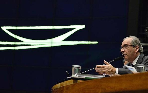 Presidente da Câmara, Eduardo Cunha (PMDB-RJ), abre sessão no plenário da Casa para acelerar rito do impeachment de Dilma (DF)