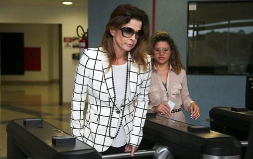 Cláudia Cruz, esposa do deputado cassado e ex-presidente da Câmara Eduardo Cunha, após visita ao marido na carceragem da PF