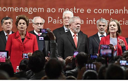 Cerimônia de posse da senadora Gleisi Hoffmann (PR) como presidente nacional do PT (Partido dos Trabalhadores), em Brasília (DF). Presença da ex-presidente Dilma Rousseff e do ex-presidente Luiz Inácio Lula da Silva.