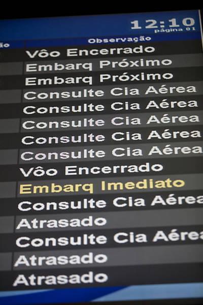 Painel mostra voos atrasados no aeroporto de Congonhas, em São Paulo; Gol diz que atraso é reflexo do intenso tráfego aéreo Leia mais