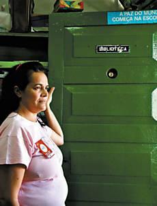 Diliana dá aulas em 2 escolas de MG e ganha menos que piso