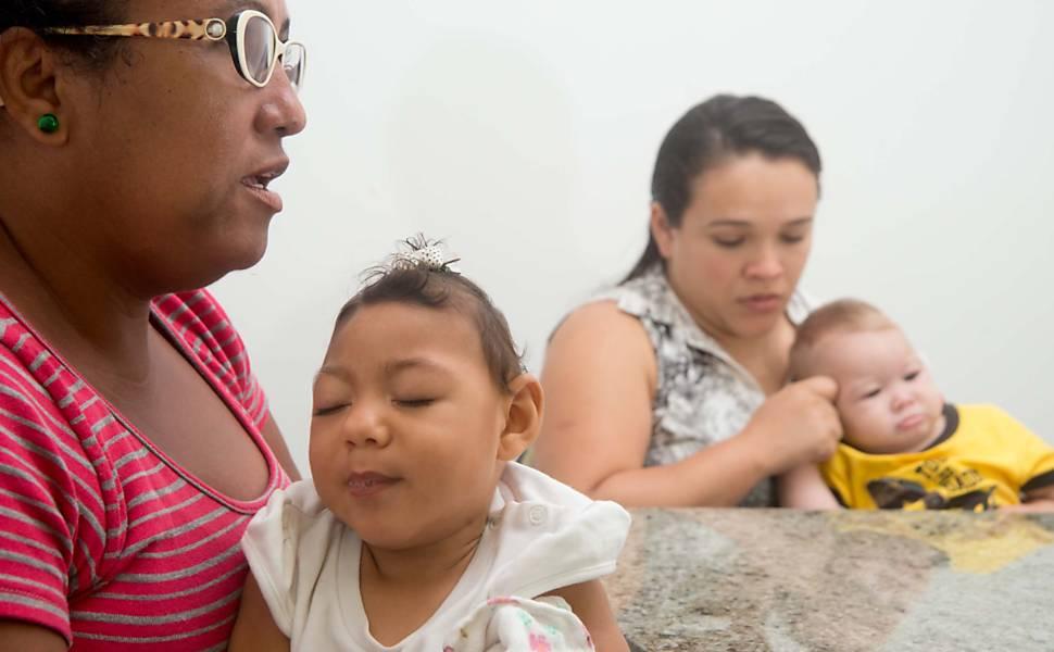 625499-970x600-1 Pais de bebês com microcefalia vivem abandono e recorrem à Justiça em PE