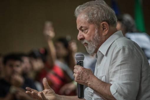 Resultado de imagem para Força eleitoral de Lula resiste após condenação na Lava Jato