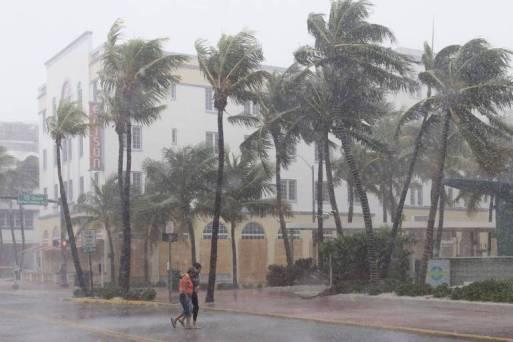 Resultado de imagem para Furacão Irma mata ao menos três e deixa milhões sem luz nos EUA