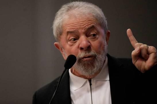 Resultado de imagem para ex-presidente Lula divide o Brasil