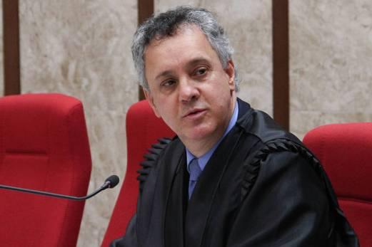 O relator da Lava Jato no tribunal, João Pedro Gebran Neto