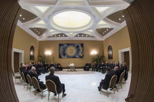 Encontro do papa Francisco com a cúpula da Igreja chilena no Vaticano em maio
