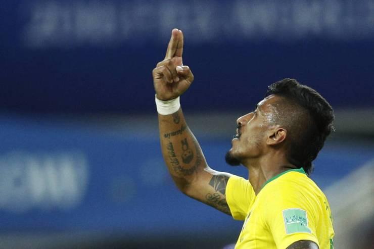 Paulinho abriu o placar na vitória da seleção brasileira sobre a Sérvia