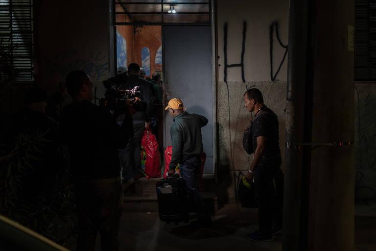 15324765615b57bc91ec4cd_1532476561_3x2_md Após 15 horas fechada, fronteira com a Venezuela é reaberta em Roraima