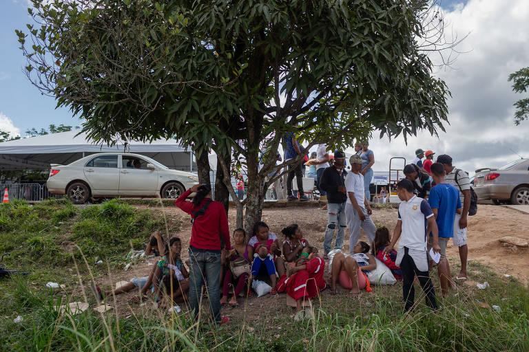15352389625b81e332ec03c_1535238962_3x2_md Venezuelanos deixam Roraima de ônibus e voltam ao país vizinho