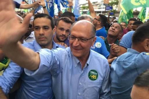 O candidato Geraldo Alckmin (PSDB) em campanha em Salvador