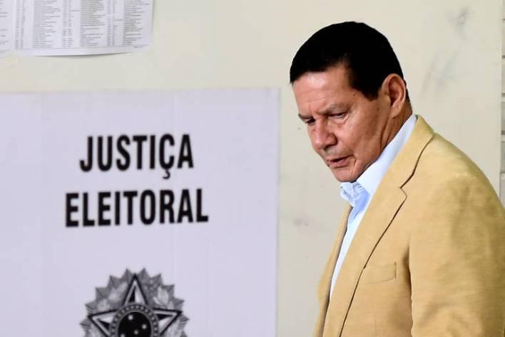 15401863905bcd61164fb57_1540186390_3x2_md Bolsonaro demite general Santos Cruz da Secretaria de Governo da Presidência