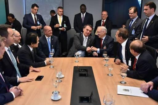 Jair Bolsonaro em encontro com a bancada evangélica antes de assumir a Presidência, em Brasília